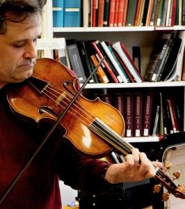 Playing the 1693 Gould Stradivari. Metropolitan Musem New York City 18 2 15